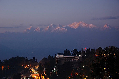 Darjeeling – A Melting Point of Amazing Vistas & Aromas - Thomas Cook
