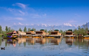 Lifestyle in Dal lake - Houseboats In Kashmir