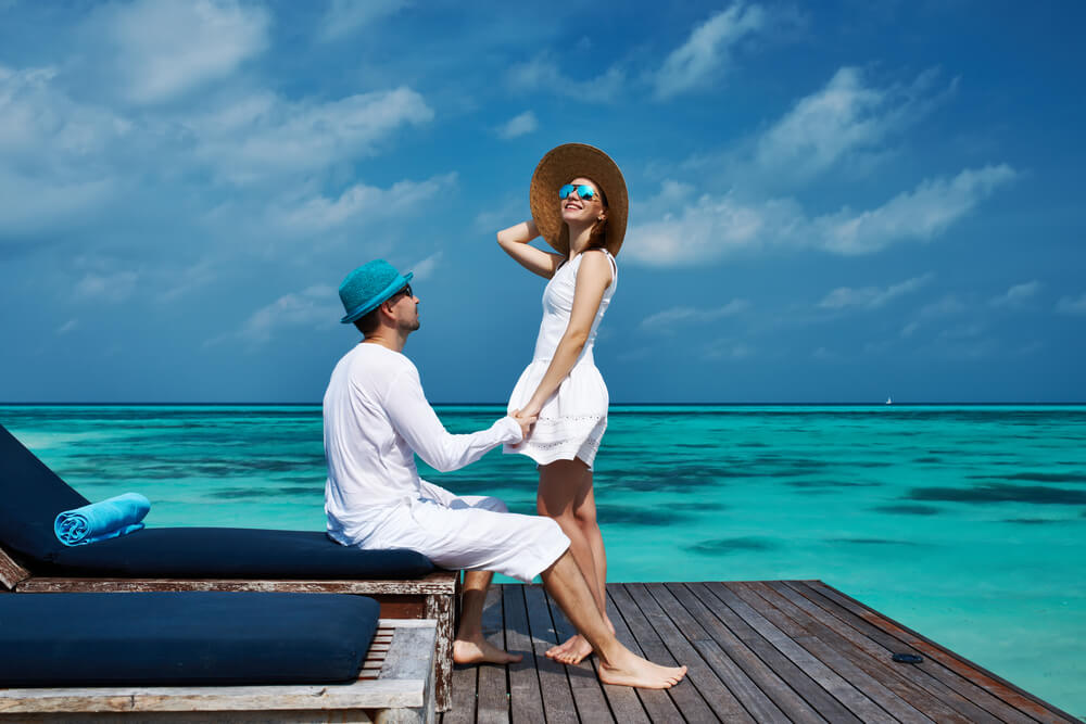 Tips to plan the most romantic honeymoon thomas cook india for Best beach vacations in us for couples