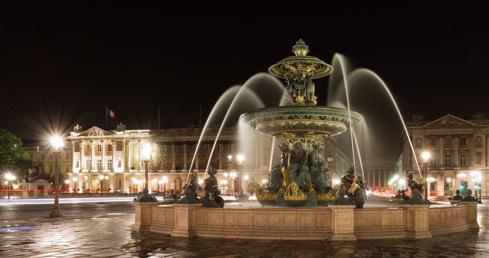 Fountain - Paris