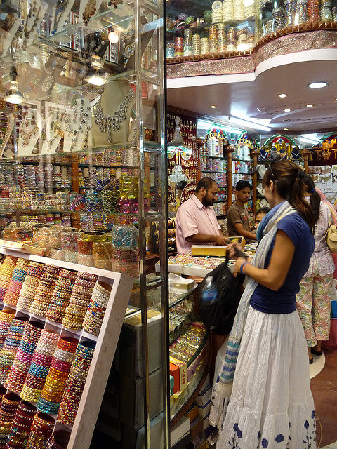 Street Side Shopping Escapade in India - Thomas Cook India Travel Blog