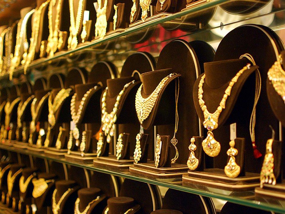 Zaveri Bazaar in Mumbai