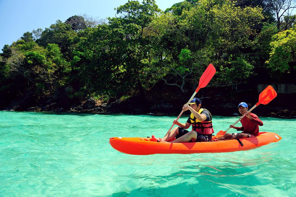 Padding Kayaki - Water Sports in Phuket