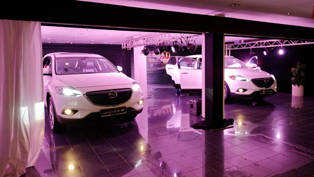 Singapore-Car Showroom
