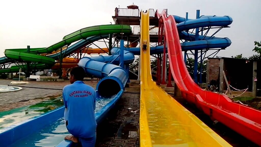 fun at the amusement park essay Amusement parks - something for everyone length: but still a valid reason for amusement park regional amusement parks essay - as new award.