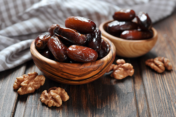 Try the Bateel dates While you visit the famous Dubai Mall, sate your taste buds with bateel dates that come in a range of varieties and flavours.