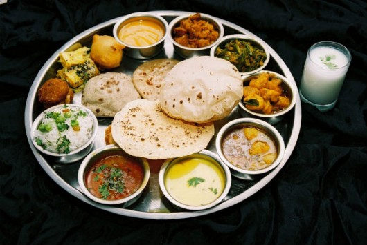 Veg-Thali - Facts About Gujarat