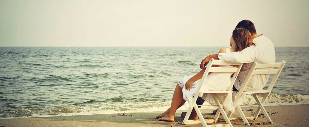 Couple-in-Love-at-Beach