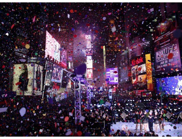 New York – Ball drop at midnight