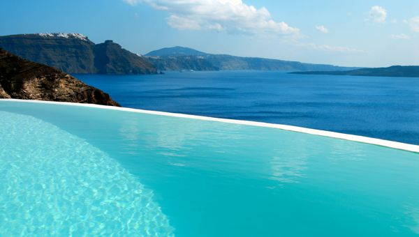 Natural infinity pool - Santorini, Greece