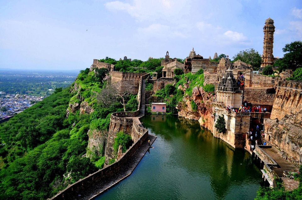 Chittorgarh Fort - Places to Visit in Chittorgarh