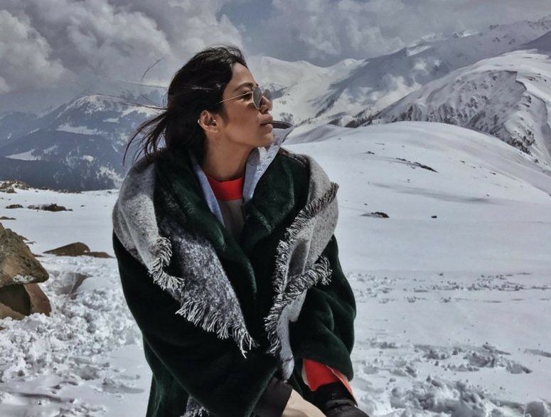 Lifestyle Blogger and Fashion Diva Santoshi Travelled to Kashmir with Thomas Cook