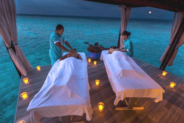 Top 5 Reasons To Honeymoon In Maldives: 10 Reasons To Plan Your Honeymoon In Maldives