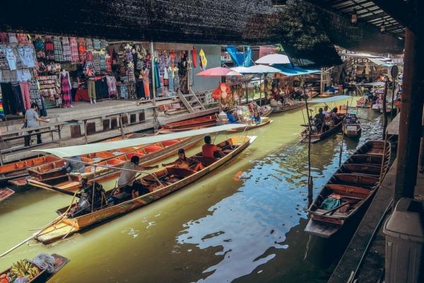 Damnoen Saduak Floating Market - 100 Places To Visit In Thailand