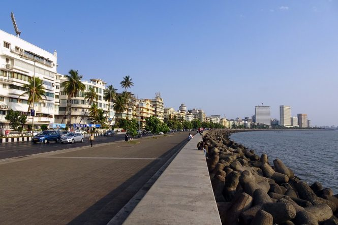 Marine drive - 11 Best Places to visit in Mumbai