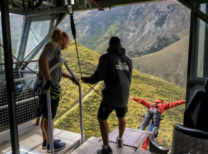 Bungee jumping - 12 Most Exciting Things to do in New Zealand