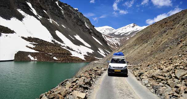Jeep Safari-things to do in Ladakh