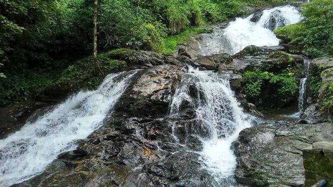 12 Grand Waterfalls in Karnataka that will Leave You in Awe