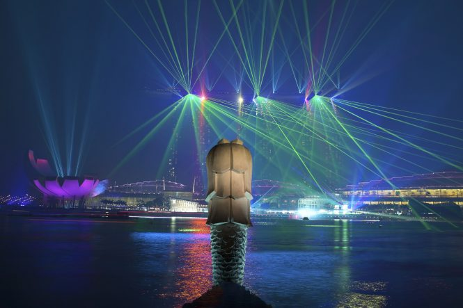 light and water show - Romantic places in Singapore