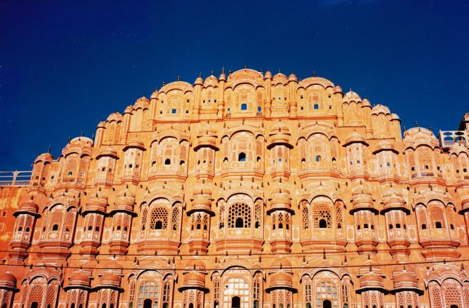 Hawa Mahal - Places to visit in Jaipur