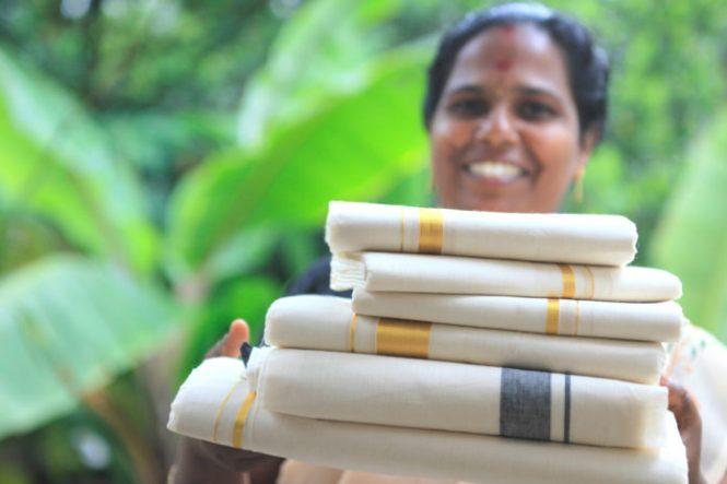 Kasavu Mundu- Kerala shopping
