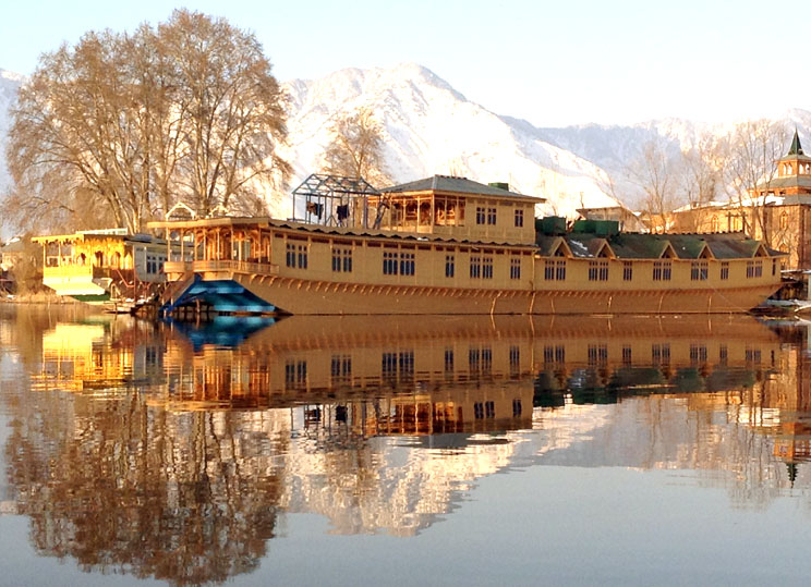Houseboats in Kashmir - A Signature Experience for all