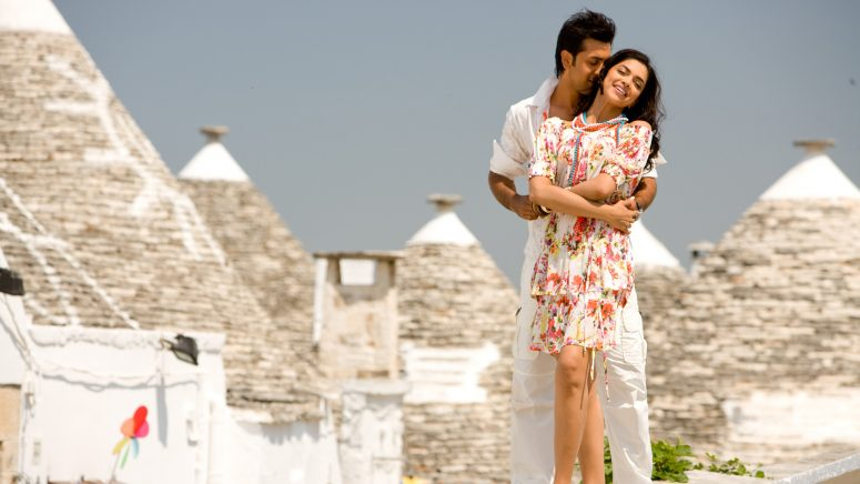 International Travel Destinations Made Popular by Bollywood Movies