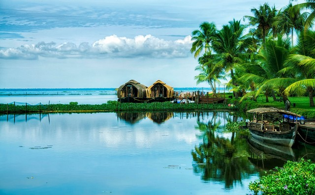 Kumarakom - tourist places in Kerala