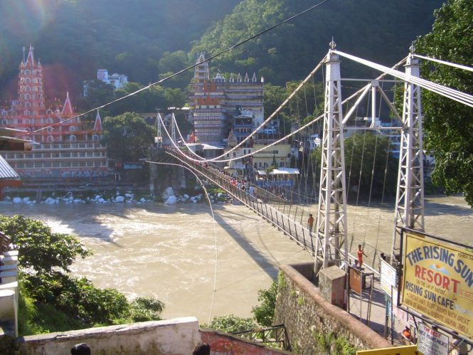 Laxman Jhula-River rafting in Rishikesh