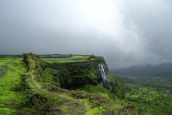 Lonavala- Khandala- Places to Visit Near Pune in Monsoon