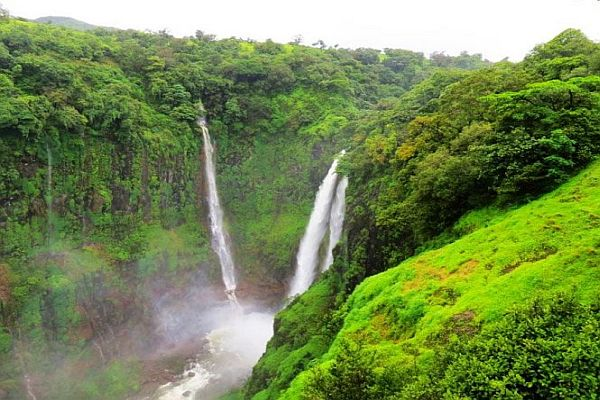 Thosaghar Fall- Places to Visit Near Pune in Monsoon