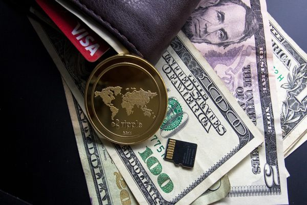 International money transfer: what is the safest way to send money abroad?