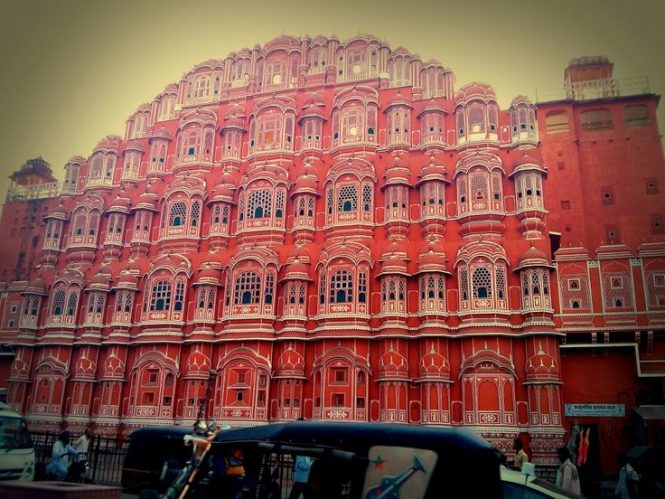 New Delhi to Jaipur and Ranthamborer- Road Trip Packages