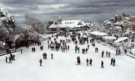 Ridge Road - Snowfall Adventures In Shimla