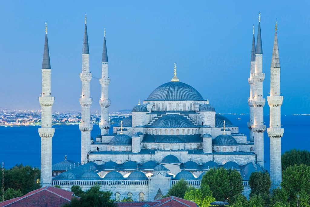 The Blue Mosque - Places to Visit in Istanbul