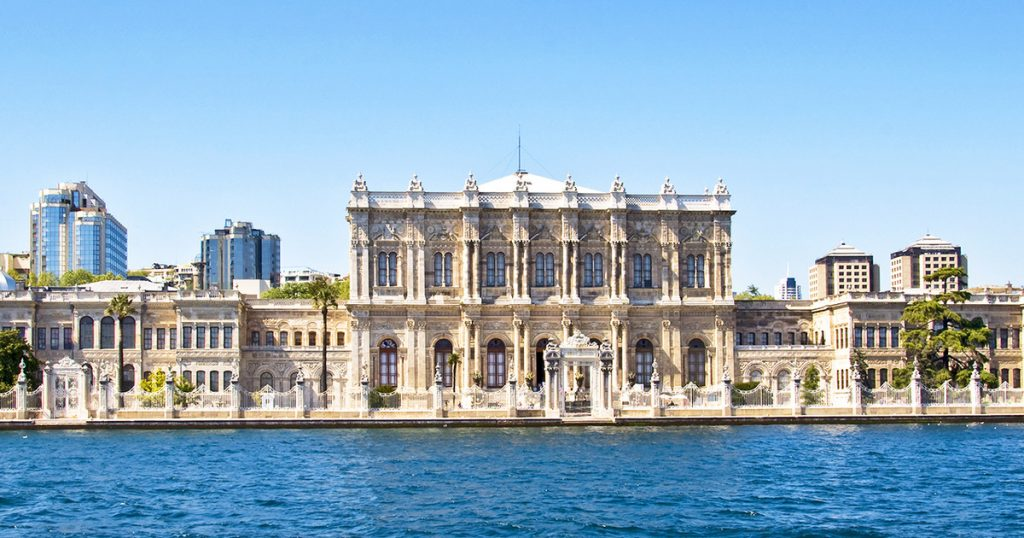 Dolmabahçe Palace - Places to Visit in Istanbul